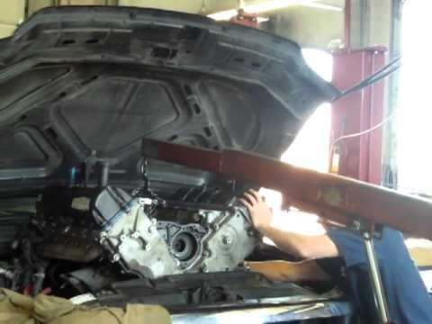 travis installs a remanufactured ford 6 8l v10 in an excursion youtube. Black Bedroom Furniture Sets. Home Design Ideas
