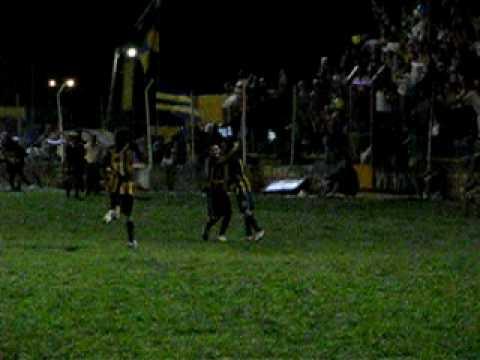 Juventud vs Sarmiento: Festejo de uno de los goles