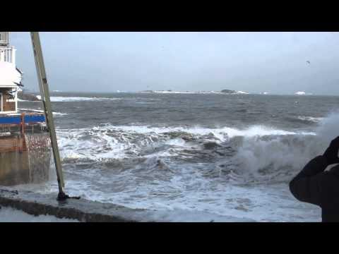 2014 JAN 03 Marblehead MA Blizzard Storm Surge Barnacle