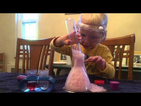2 year old scientist opens Kids Chemistry Set