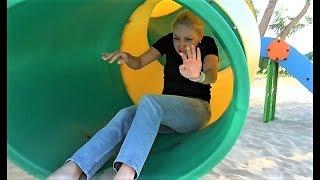 Детская площадка с горками и машинками для детей !
