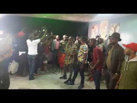 Exclusivité werrason na Kinshasa alobeli makambu oyo akimelaki eyindi plein à craque