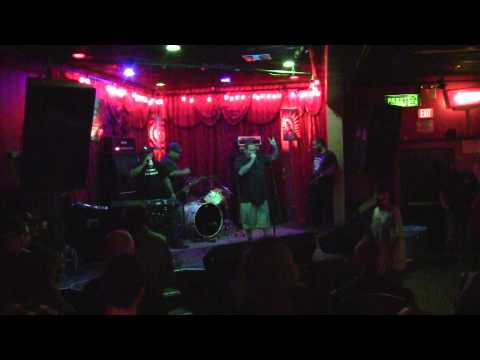 "BEAT TO DEATH - ALEX'S BAR LONG BEACH CA - 8/13/2011 ""VULTURE VIDEO"""