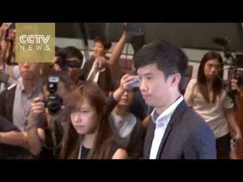 Hong Kong High Court disqualifies oath fiasco pair from taking office