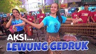 Gambar cover Aksi LEWUNG GEDRUK Bareng Trio Wik Wik Penari2 Cantik Carehal, Pecah Banget!! (Angklung Malioboro)