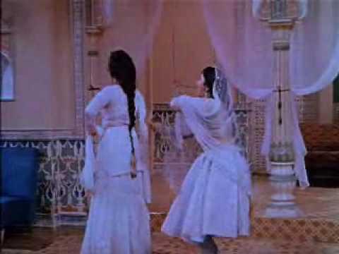 Mere Mehboob(1963)-Mere Mehboob Mein Kya Nahin Kya Nahin(Lata Mangeshkar, Asha Bhonsle)