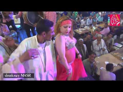 الرقاصة بترقص فوق الترايزات شوف رد فعل المعازيم للكبار فقط مليونية الحاوي حفلات عمهم قناة شرقاوي مصر