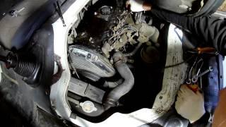 Знімаємо паливні форсунки і міняємо розпилювачі на Тойота Дюна 3L 1996 року Toyota Dyna