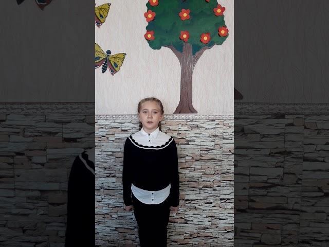 Изображение предпросмотра прочтения – ВераЛогинова читает произведение «Черёмуха» С.А.Есенина