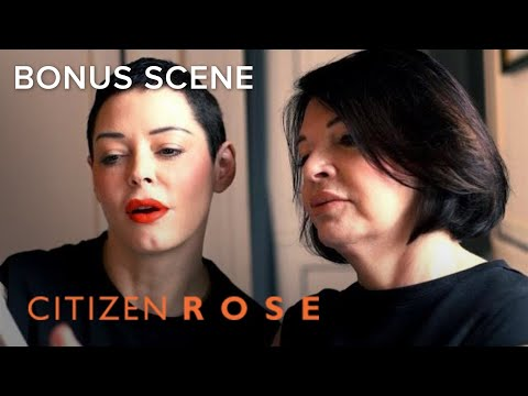 See Aunt Rory's Dating App Profile Pic | CITIZEN ROSE | E!