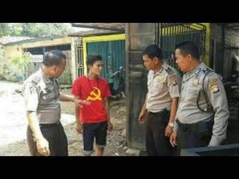 Tercyudk pake baju PKI malah marah-marah