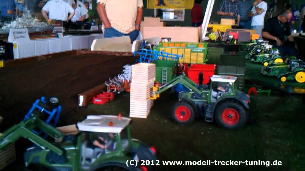 palettenboxen stapeln mit dem traktor fendt 939 frontlader. Black Bedroom Furniture Sets. Home Design Ideas