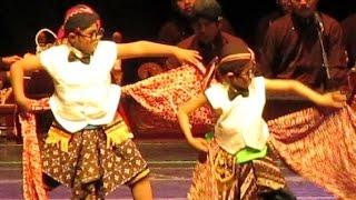Video Tari YOGA NURAGA - Javanese Classical Dance - Tari Klasik Jawa [HD] download MP3, 3GP, MP4, WEBM, AVI, FLV Oktober 2018
