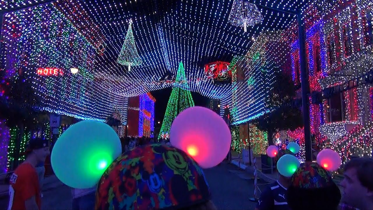 Osborne Family Spectacle Of Dancing Lights Debut With
