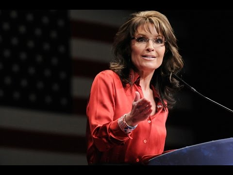 Visibly Disoriented Sarah Palin Gives Unhinged Speech at Trump Rally