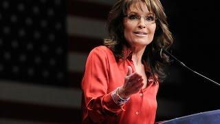 Visibly Disoriented Sarah Palin Gives Unhinged Speech at Trump Rally
