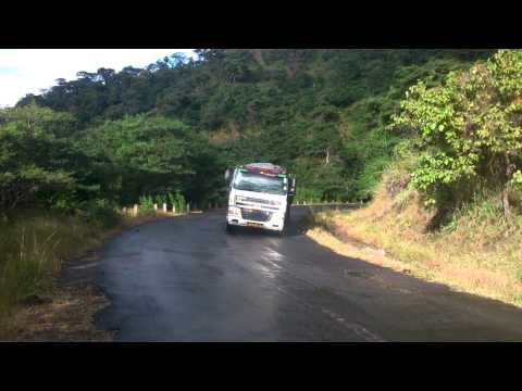 Lori Likishuka Mlima Chiweta Malawi / Pass Chiweta