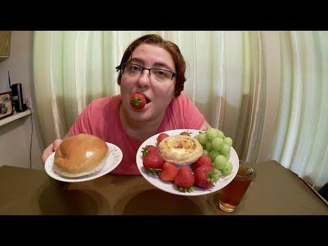 BBQ Pork Bun, Egg Tart, Strawberries And Grapes - Gay Family Mukbang (먹방) - Eating Show - 동영상