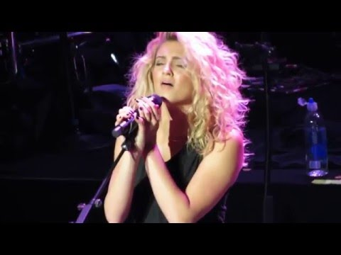 Hollow (Encore) - Tori Kelly Live @ Fox Theater Oakland, CA 5-19-16
