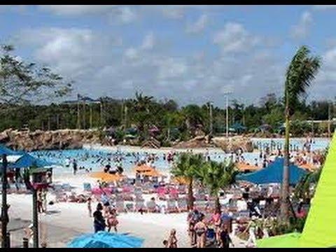 НЕРАВНОПРАВИЕ Женщины на Пляже Aquatica Orlando Декабрь 2012