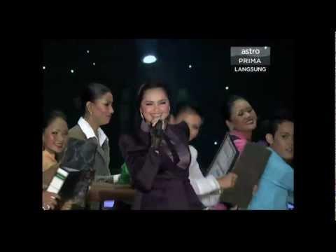Konsert Kenangan Sudirman - Aku Penganggur + Baru Dapat Kerja (Siti Nurhaliza)