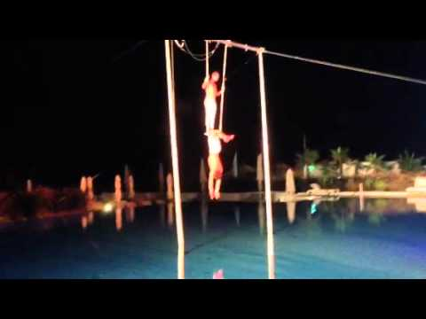 Марокко, шоу, акробаты в воздухе
