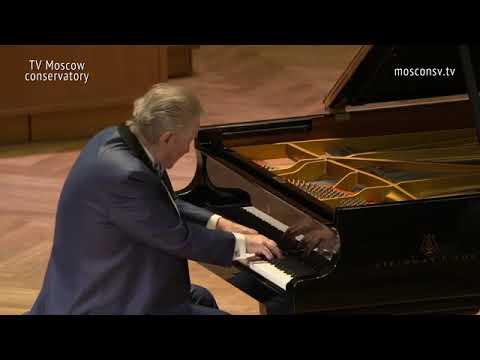 Schubert  - Sonata A dur, D.  959   Mikhail Voskresensky (piano)