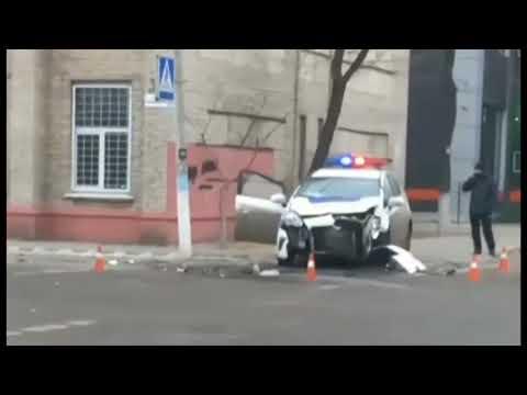 Иван Полупанов: В Северодонецке на перекрестке патрульные протаранили легковушку