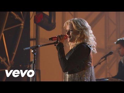 Miranda Lambert - Baggage Claim (2011 CMA Awards)