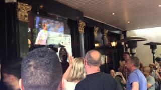 Murray's wimbledon winning moment, reaction of Swan pub London