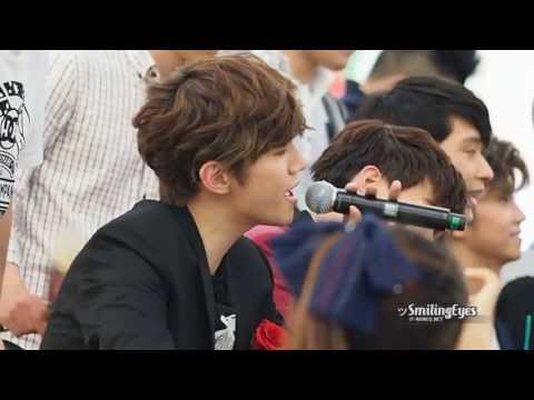 [Fancam] 130526 Junho Jun. K Singing Zero Point at Times Square Fansign