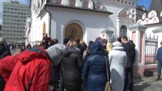 Саратовцы почтили память погибших в метро Санкт-Петербурга