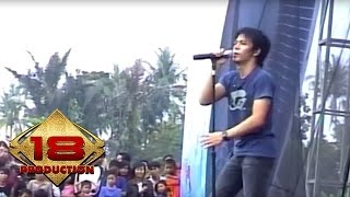 Video Peterpan - Hari Yang Cerah  (Live Konser Mataram 4 November 2007) download MP3, 3GP, MP4, WEBM, AVI, FLV Juni 2018
