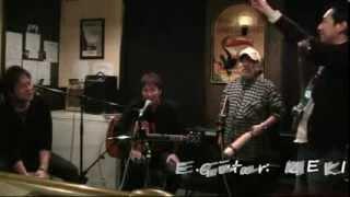 音楽BAR「パブ・ゴールウェイ」でのセッションです。いきなりのセッショ...