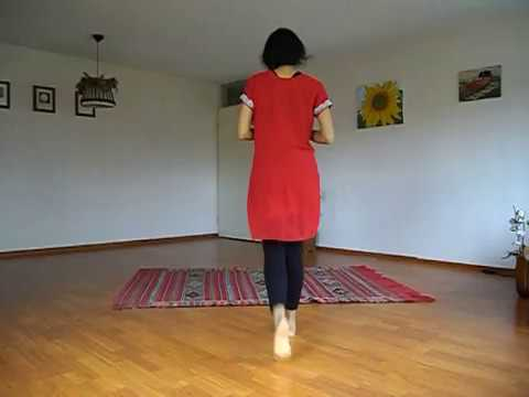 Navrai Majhi - Sridevi song (English Vinglish)