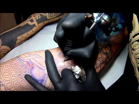 ZottL Berlin - Tattooing Linework