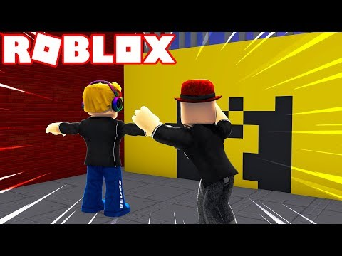 ROBLOX HOLE IN THE WALL / THIS WALL WON'T STOP US!