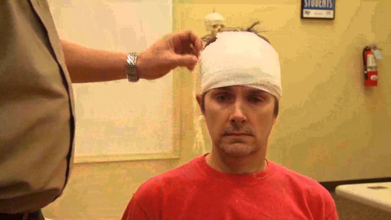How to make a bandage on the forehead