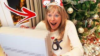 SURPRISING + PRANKING MY FAMILY ON CHRISTMAS!🎄🎁