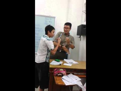 2 thầy trò đánh nhau chỉ vì cây bút bi