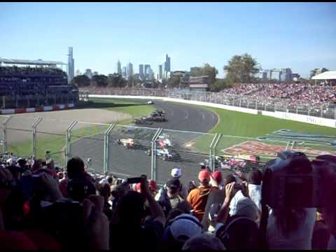 Australian Grand Prix 2009 First Corner Action