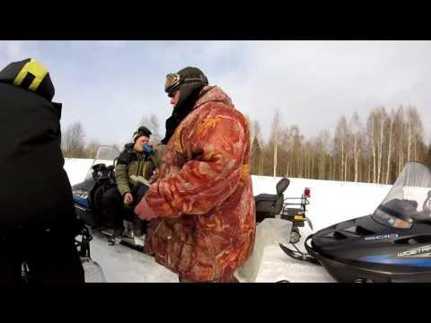 Снегоход Тайга пытается догнать Polaris