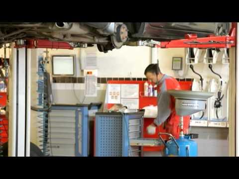 Установка Дуг багажника Автомастер  ДЦ Renault г.Пенза ул.Измайлова 15а