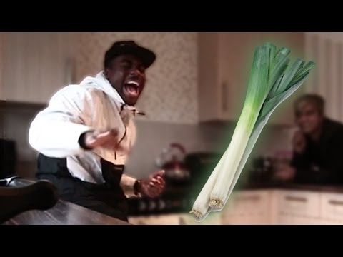 flooded-house-prank:-leek-in-the-kitchen!