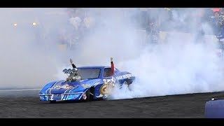 BEN BRAY IN HIS GULF WESTERN OILS CORVETTE BURNOUT CAR AT NITRO THUNDER