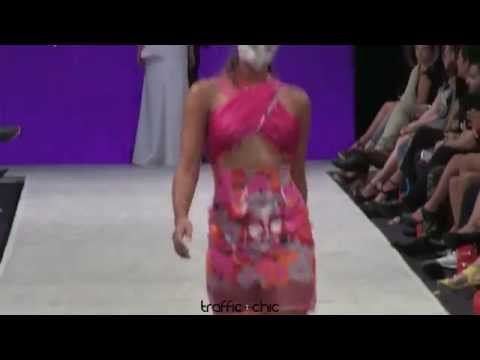 "Desfile de Jaer Cabán ""Faux Flora"" primavera/verano 2015 | SAN JUAN MODA"
