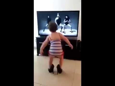 Baby dancing Single ladies - Beyonce