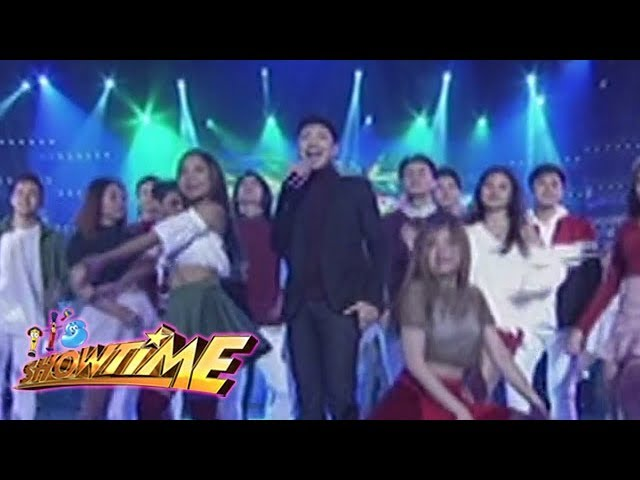 It's Showtime: Darren Espanto performs on It's Showtime stage!