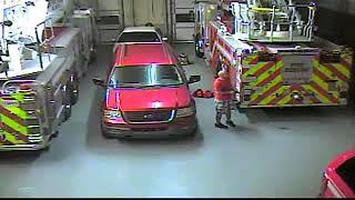 Watch armed burglar loot vehicles inside Terrytown firehouse
