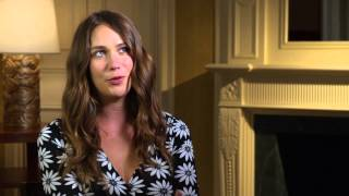"Mistress America: Lola Kirke ""Tracy"" Official Movie Interview"